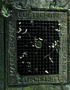 baut euch bunker... / foto: parcelpanic